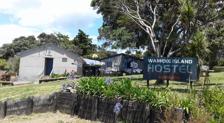 Best Backpackers Hostels in Auckland - Waiheke Backpackers Hostel