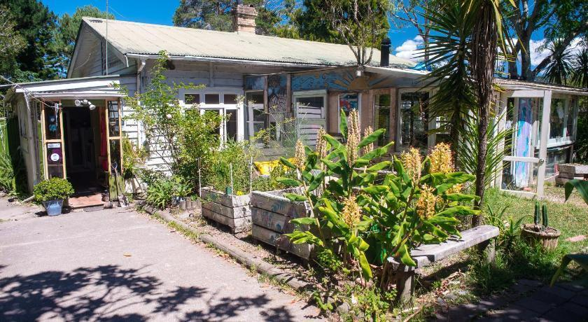 Best Backpacker Hostels in Auckland - Fat Cat Travellers Community
