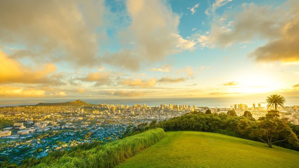 Sunset at Tantalus Point