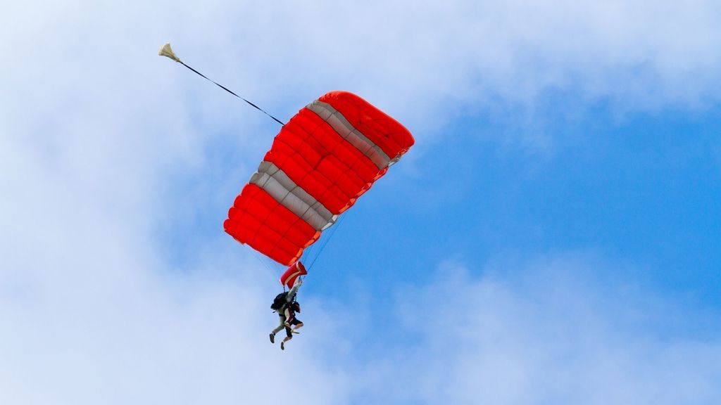 Skydive on the North Shore