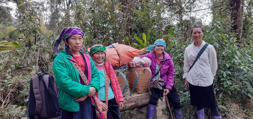 Our Hmong guides for climbing the highest peak in Vietnam